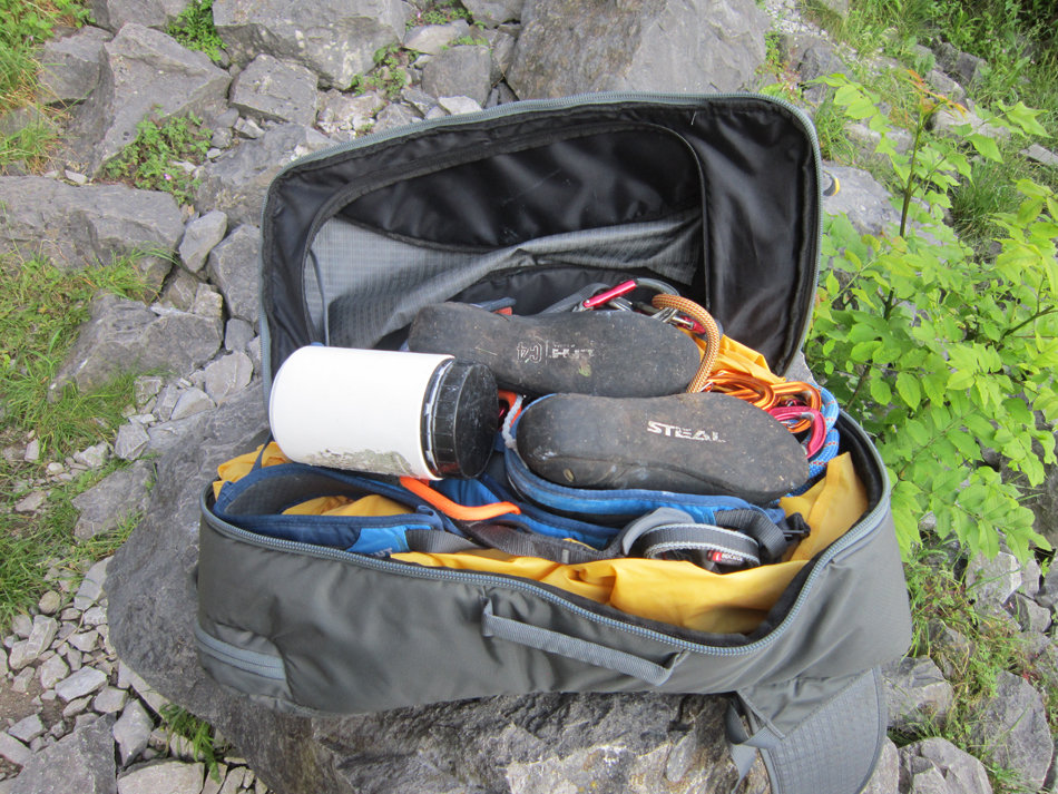 The DMM Flight comfortably carries a 70m rope, quickdraws, shoes, harness and has room for extras, 243 kb