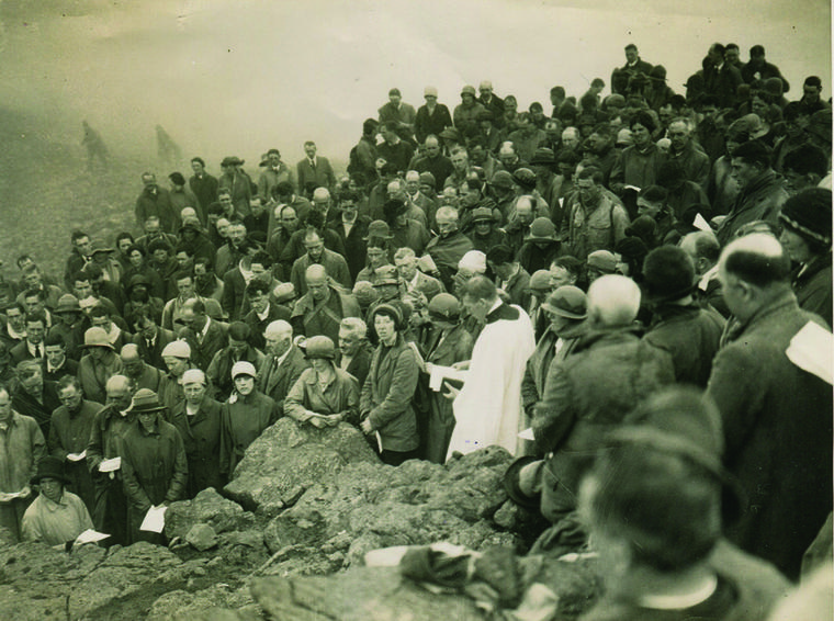 The commemoration of the dead on Great Gable, 1923, 251 kb