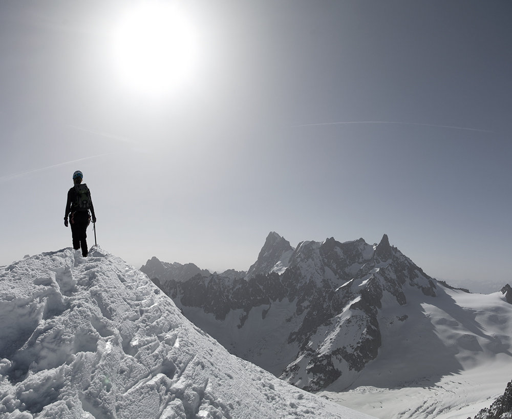 The classic Midi-Plan traverse above Chamonix, 106 kb