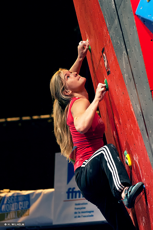 Shauna Coxsey competing in the IFSC Laval Semi-Finals 2014, 225 kb