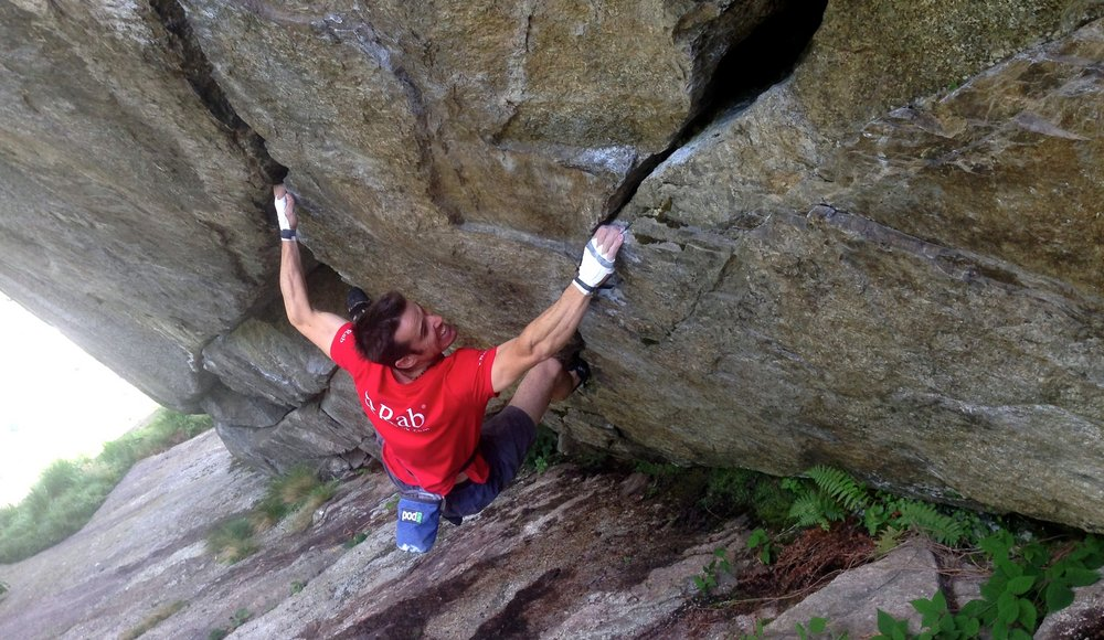 Tom Randall on the lower boulder problem section of The Pura Pura - 8c+ Link-Up, 151 kb