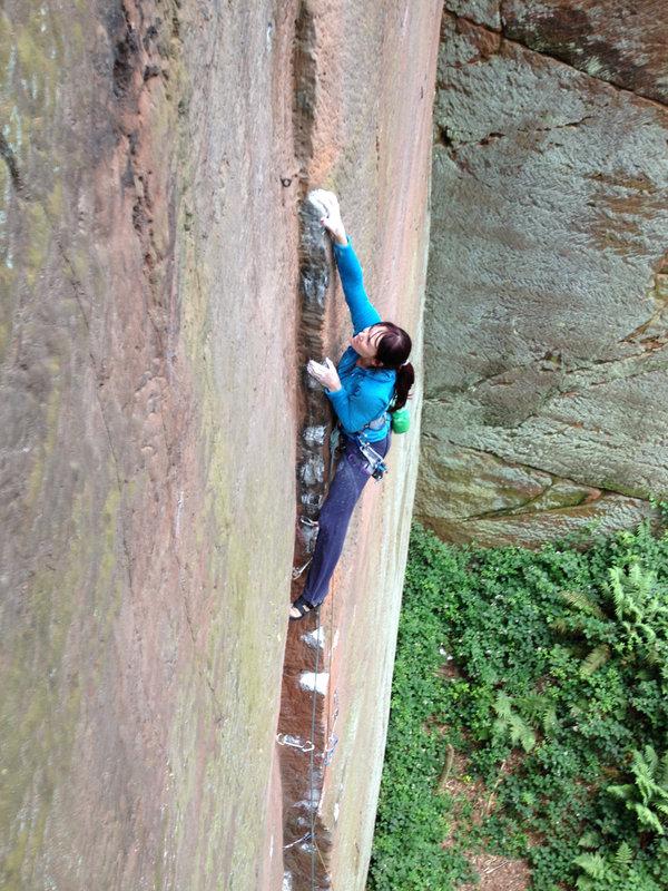 Emma Twyford climbing Yukan II, E6/7 6b, Nesscliffe, 176 kb