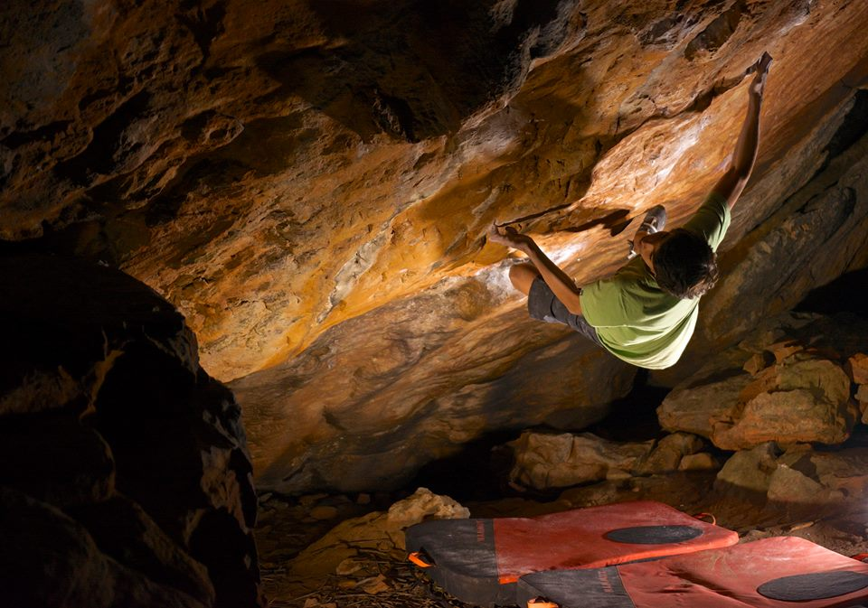 Mirko Caballero on Golden Shadow, ~8B+, Rocklands, SA, 114 kb