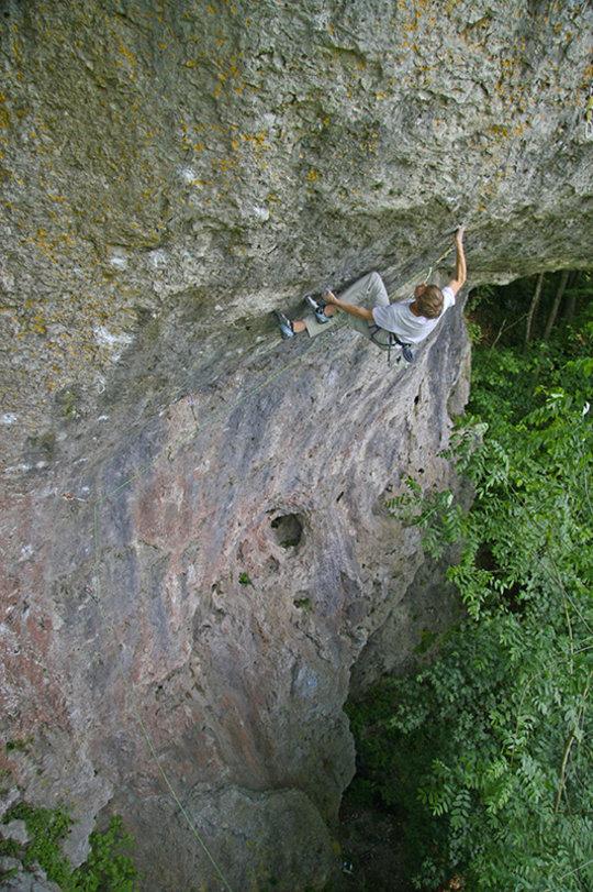 Alex Megos Bouldering, 168 kb