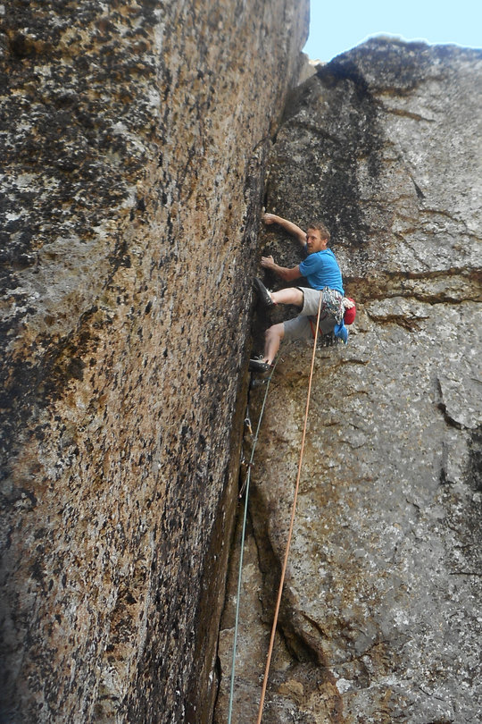 On the desperately dirty 3rd pitch, 184 kb