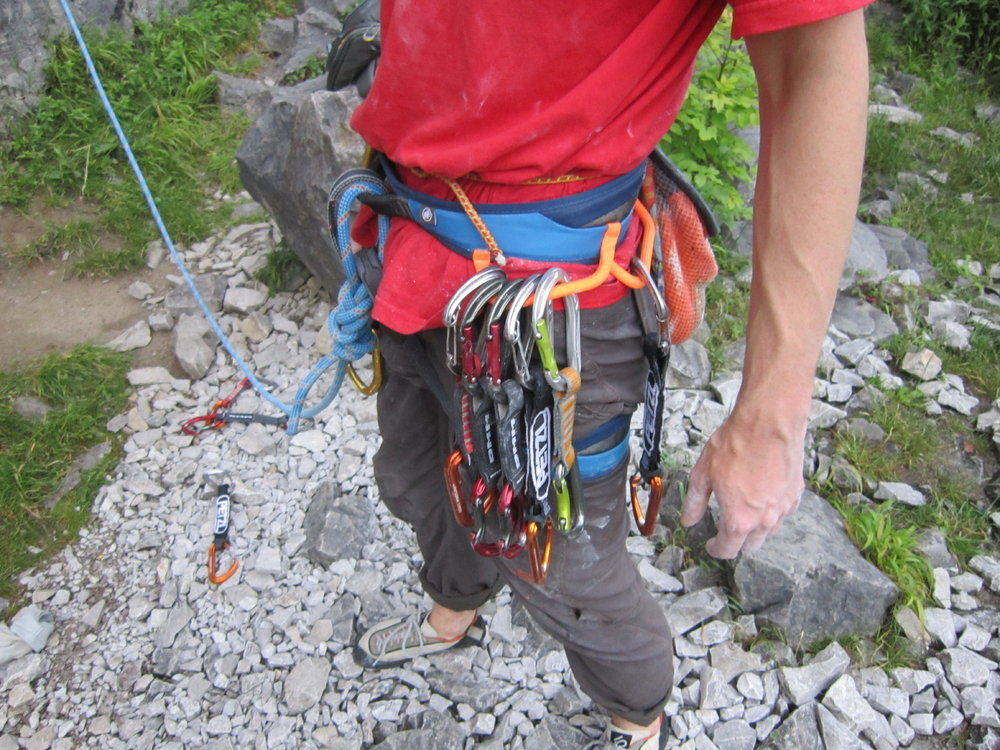 Big gear loops on the Mammut Ophir, but gear often collects in your lap., 203 kb