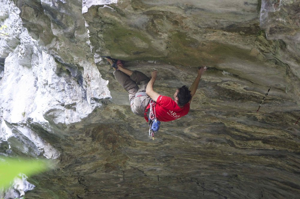 Tom Randall placing micro nuts on his new E9 roof crack 'Dina Crac', 143 kb