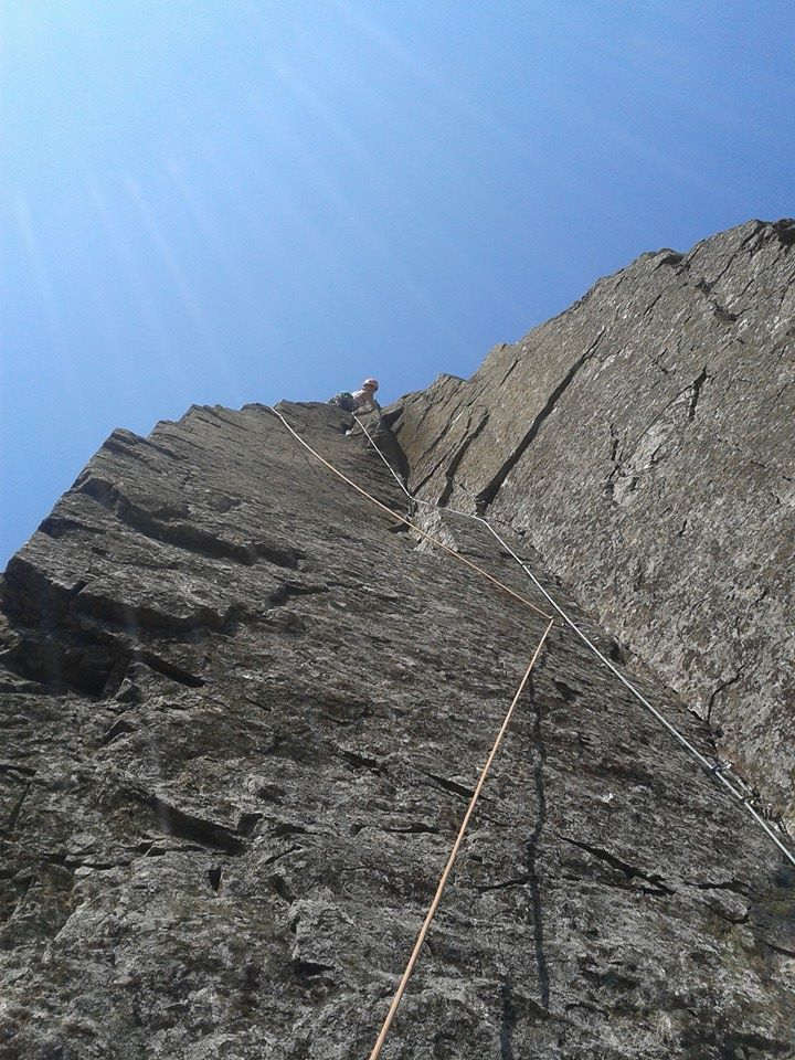 Emma Twyford on the classic Scafell sandbag of Lost Horizons, 170 kb