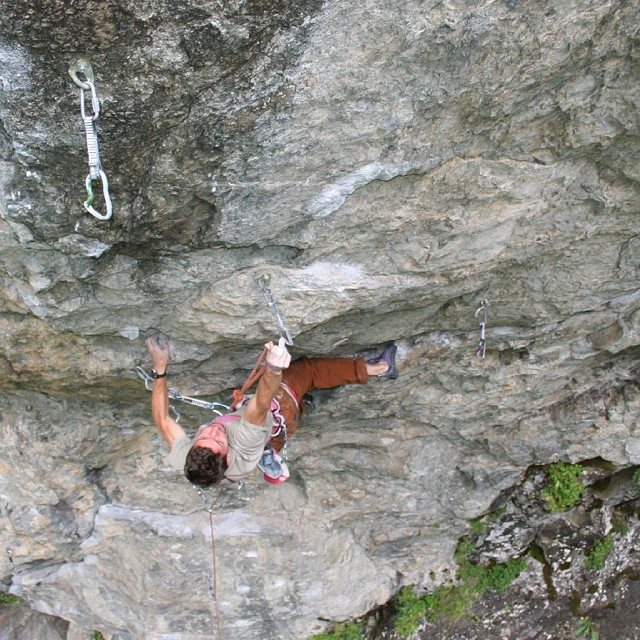 Stefano Ghisolfi climbing at Entraygues, France, 138 kb