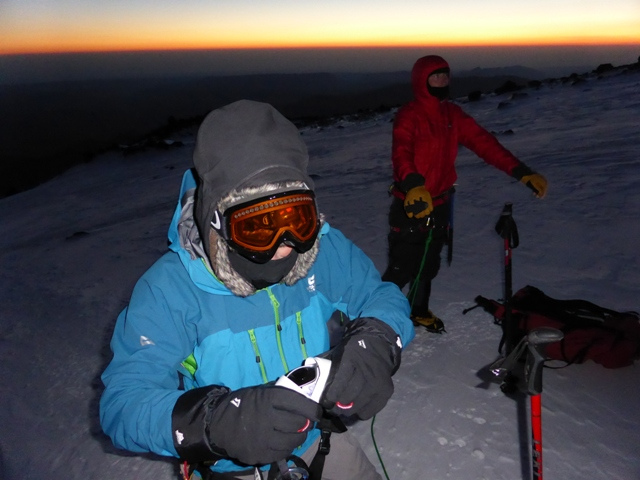 First light on Mount Elbrus, 137 kb