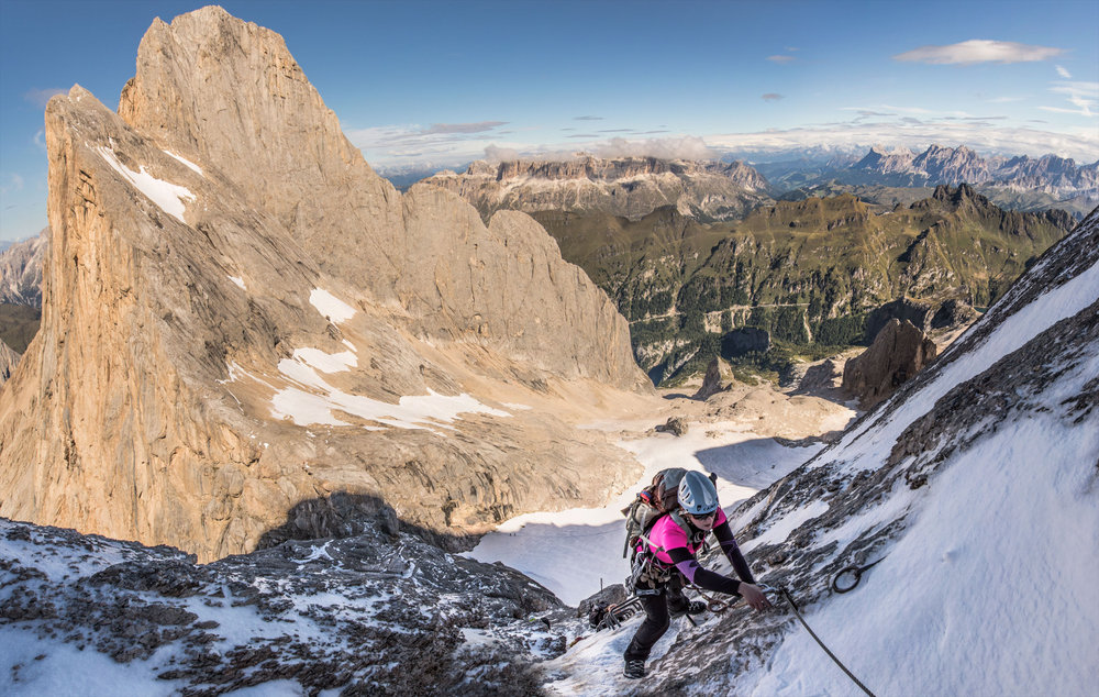 Excellent conditions on the Marmolada West Ridge with views of the South Face and Sella Group, 207 kb