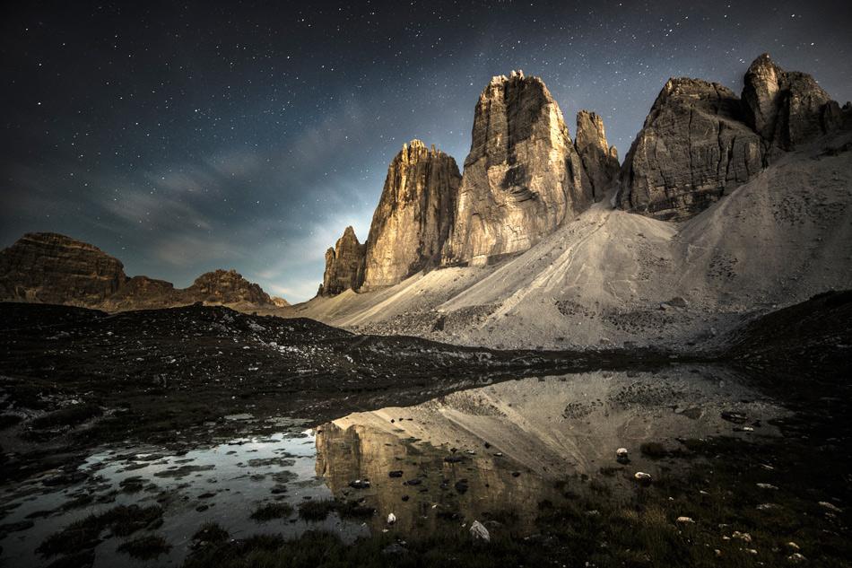 The Tre Cime di Lavaredo bathed in moonlight, 227 kb