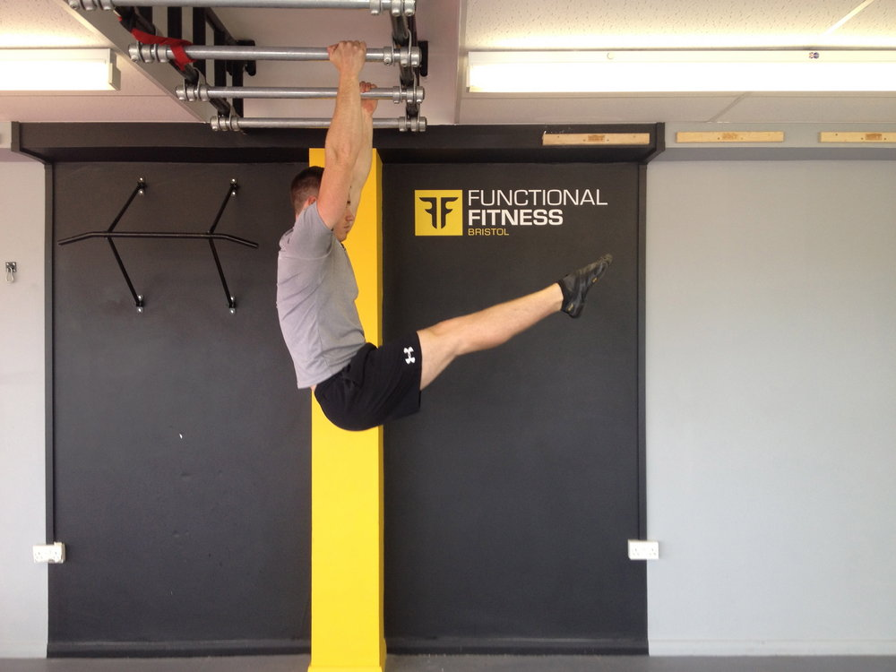 Leg hang past 90 with pelvic tuck side view, 81 kb