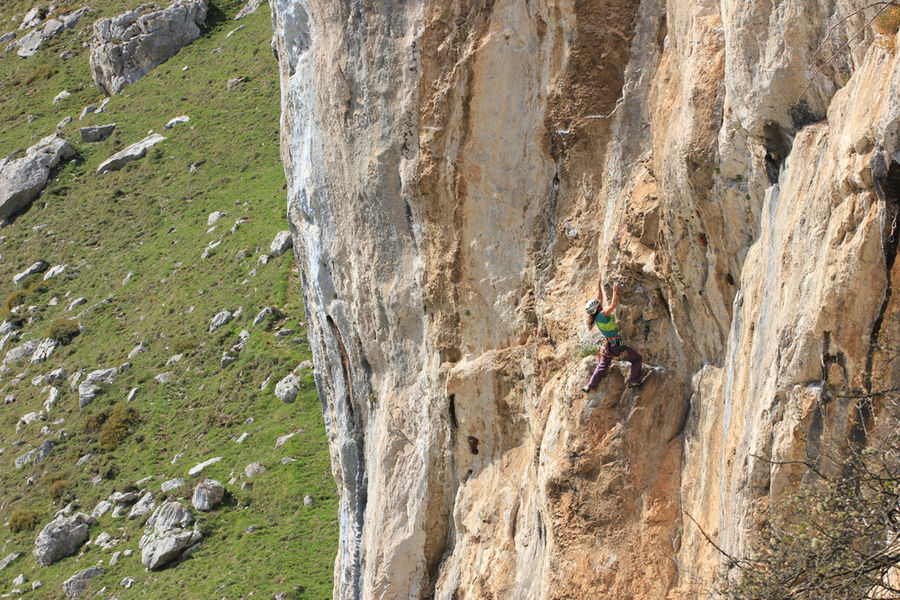 Pitch two of Alimoches 6b, Sector Alimoches, 196 kb