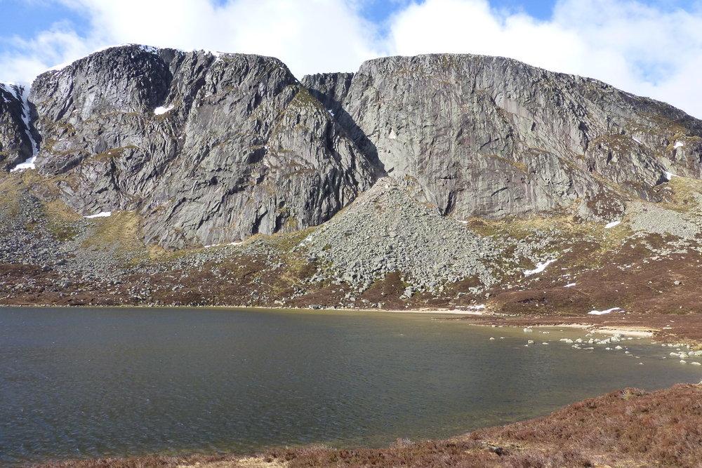 Creag an Dubh Loch, 230 kb