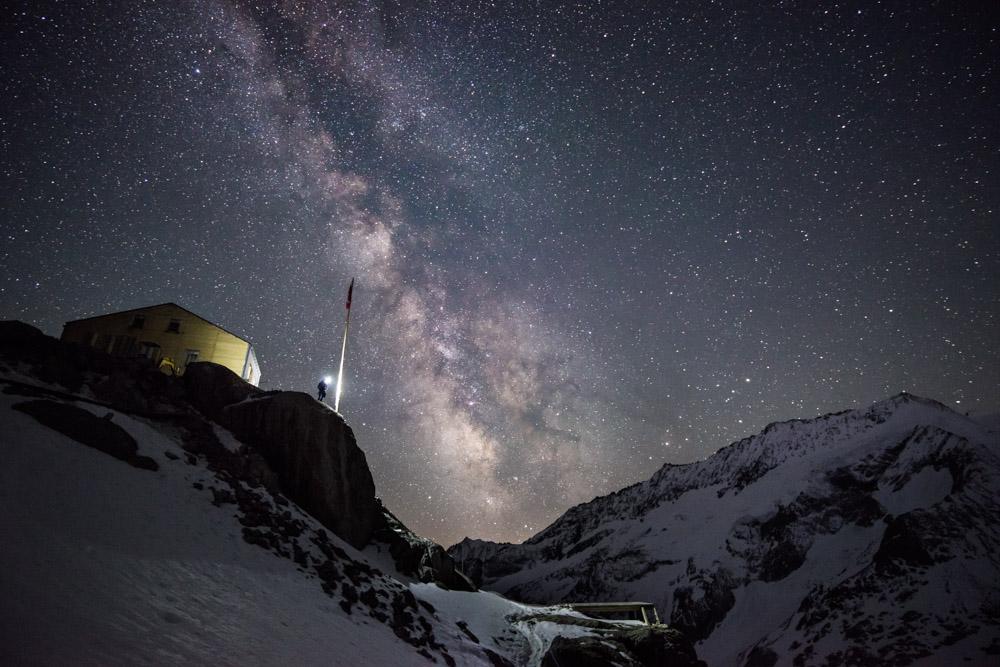 Stuart Johnston at the Konkordia Hut under the Milky Way (Bernese Oberland), 192 kb