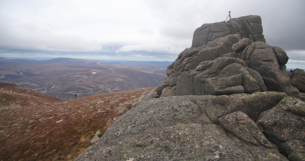 The Leica GS15 gathering data on the summit tor of Meall Gaineimh, 116 kb