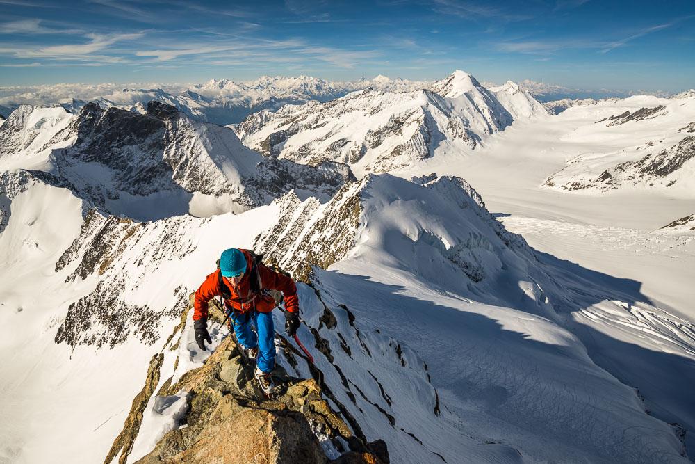 Stuart Johnston on the airy Gross Grunhorn summit ridge, 205 kb