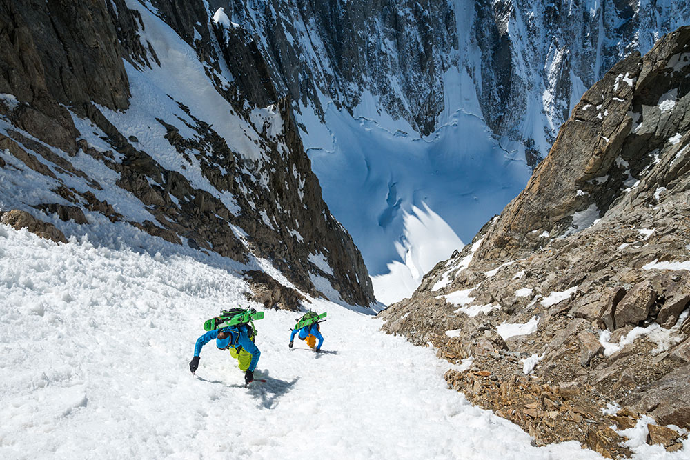 Ross Hewitt and Tom Grant climbing the SW couloir of the Aiguille de l'Amône (to ski the NE face), 235 kb