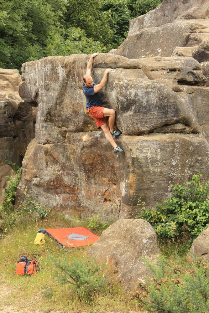 Tom Gore bouldering at Toad's Rock, 241 kb