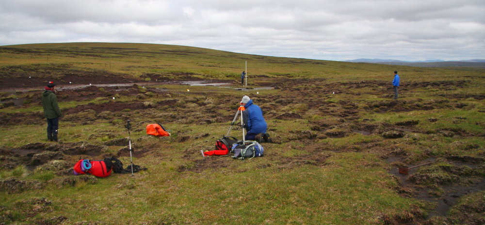 Immersed in a bog - surveying the bealach of Mullach Coire nan Cisteachan, 126 kb