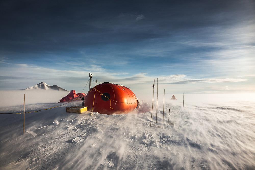 Windy as usual at the 'Melon' Hut, Sky Blu, S75º, Antarctica, 141 kb