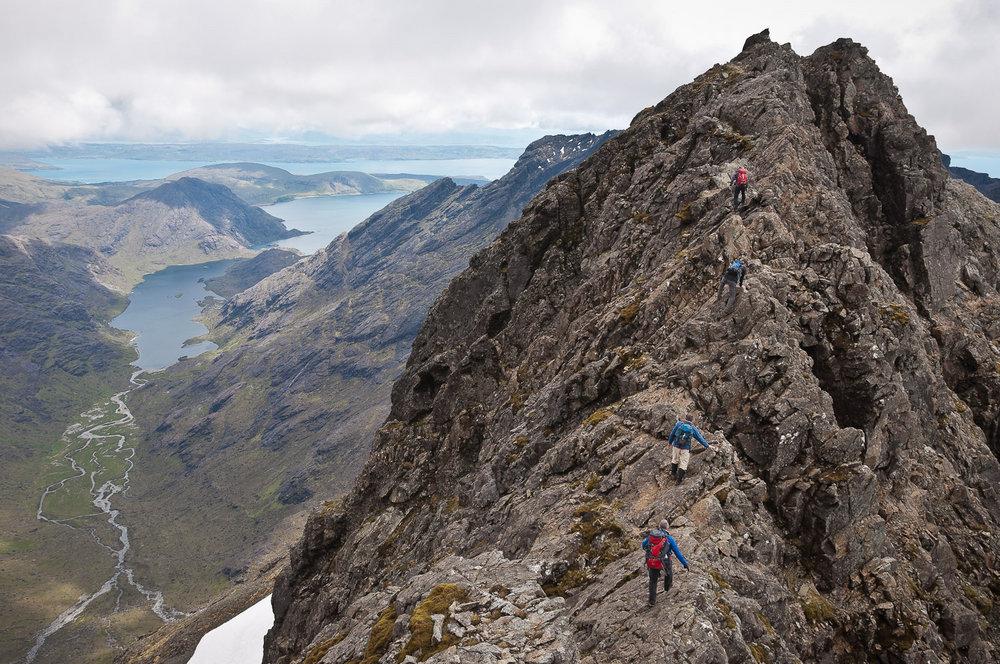 Traversing the north ridge of Sgurr a'Ghreadaidh, a Munro on the Isle of Skye, 235 kb