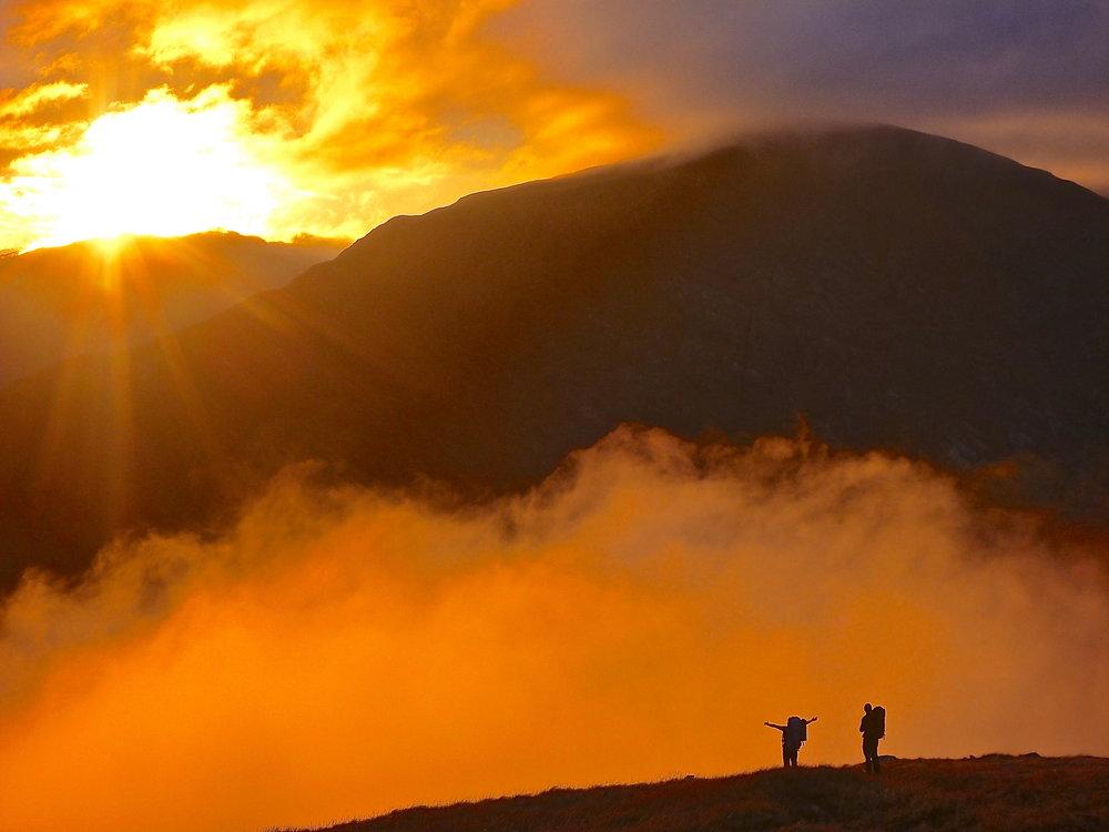 Autumn sunset on Gairich Beag, 84 kb