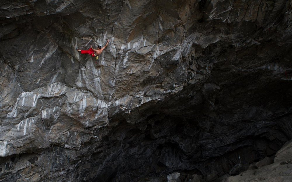 Ben climbing in Norway before his accident, 128 kb
