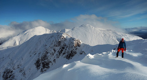 [Stob Ban and the Mamores from Mullach nan Coirean © wee jamie]