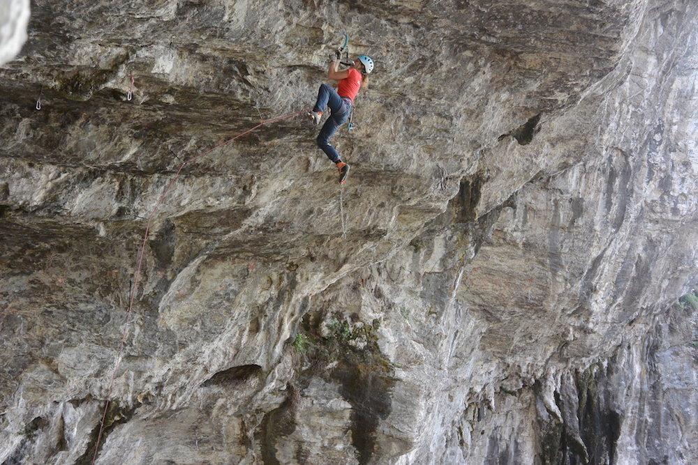 Marianne van der Steen climbing in Iseo, Italy, 212 kb