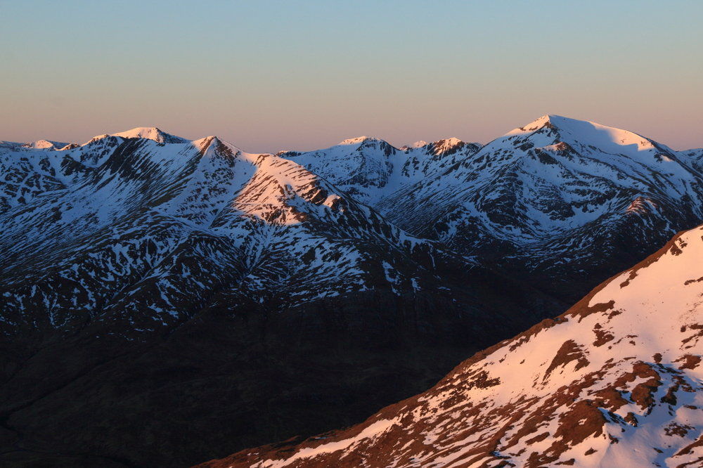 Dawn on the Mamores, 152 kb