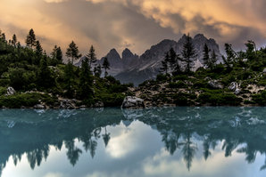[Lago di Sorapiss at sunset with views of the Tre Cime © James Rushforth]
