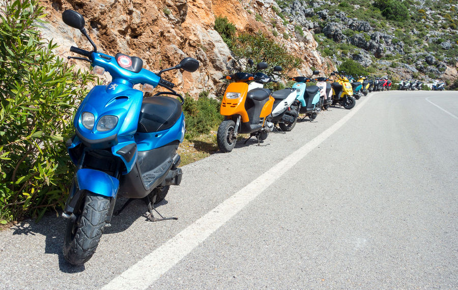 40 scooters under Arhi, 187 kb