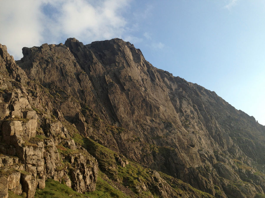 Scafell at it's best: dry and in the evening sun, 143 kb