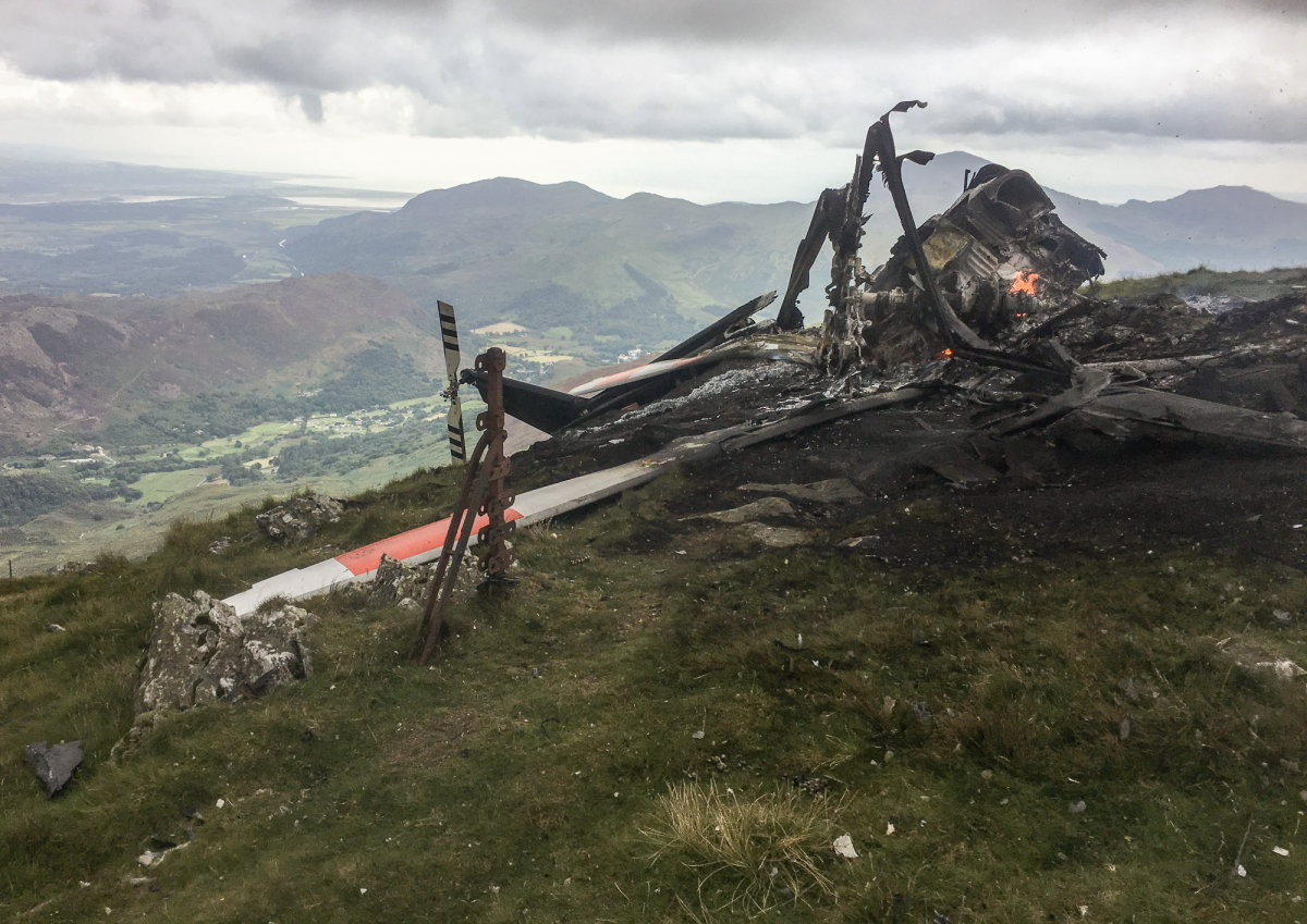 yr aran helicopter fire 2, 211 kb