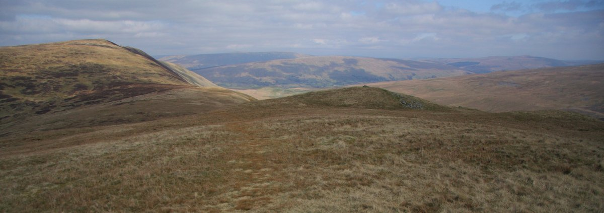 Calf Top from its adjacent southerly hill; Castle Knott, 103 kb