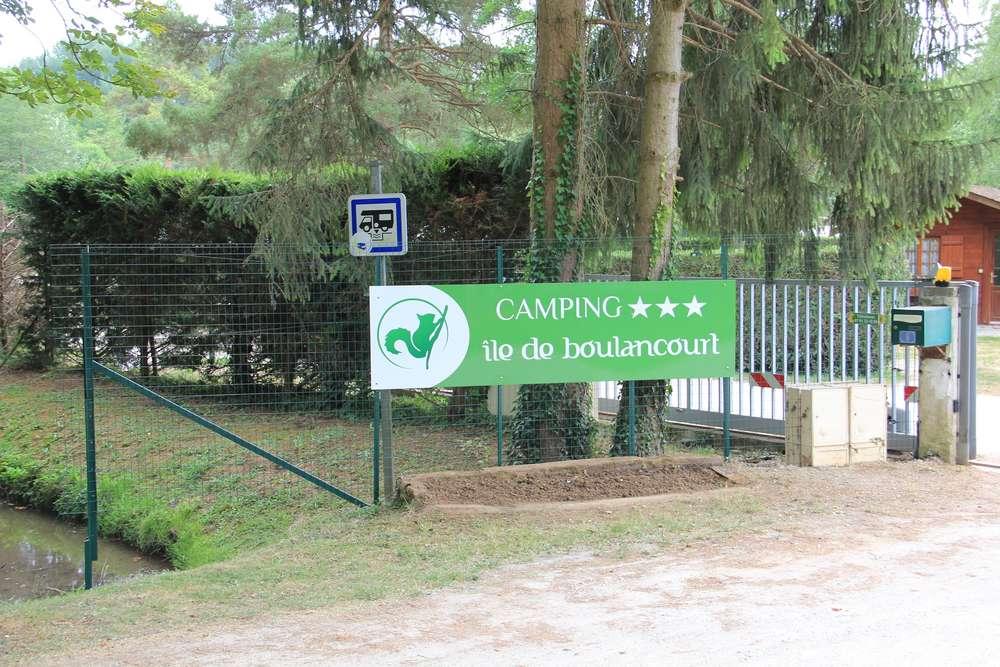 Camping ile de Boulancourt Fontainebleau cottage