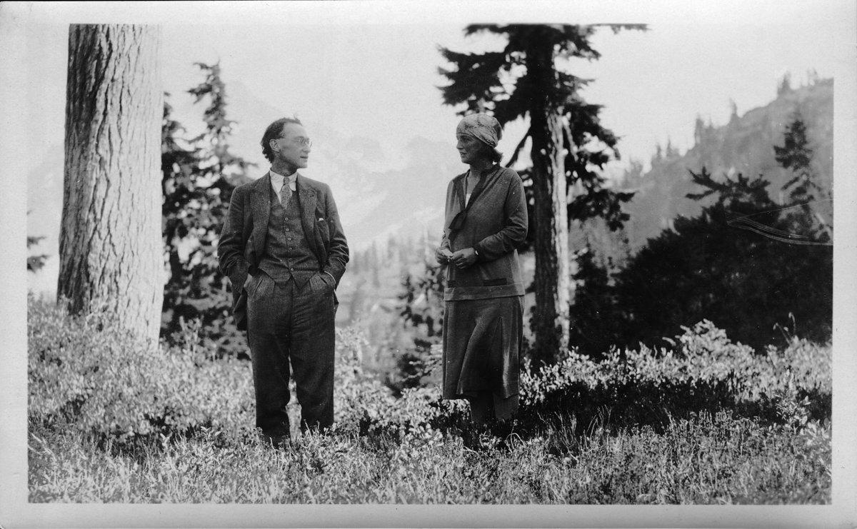 Ivor & Dorothea (c. mid 1920s), 179 kb