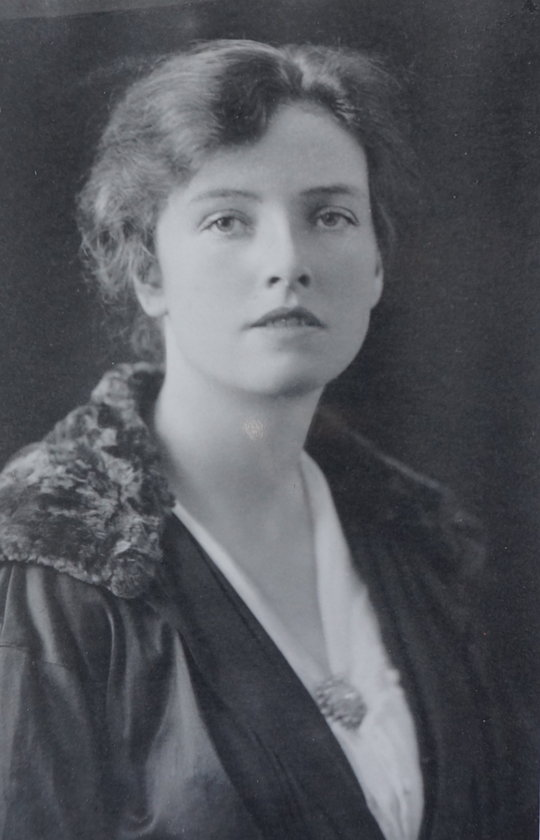 Dorothea (c.1922), 55 kb
