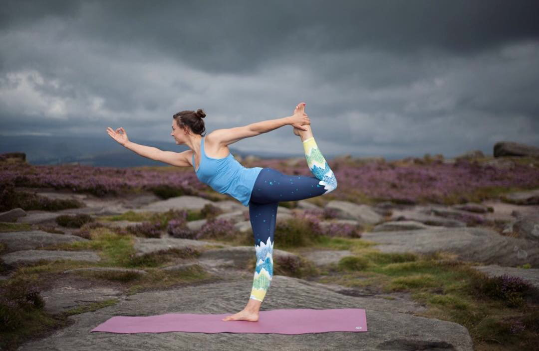 Penny Orr demonstrates the yoga-compatibility of the Solstice leggings, 75 kb