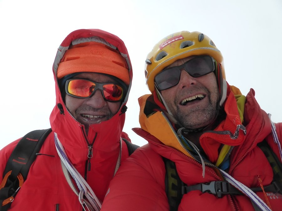 Summit selfie, 88 kb