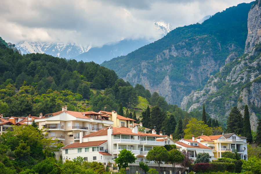 A cloud-covered Mount Olympus hides just beyond the town of Litochoro, 172 kb