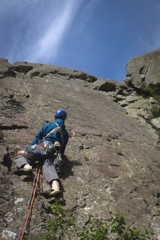 A great stretchy cragging top, 122 kb