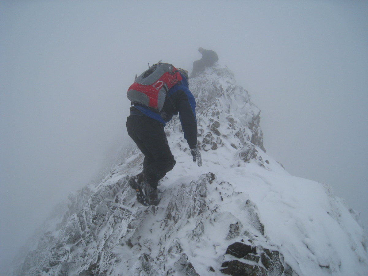 The inexperienced often underestimate winter conditions on Crib Goch - axe and crampons, anyone?, 112 kb