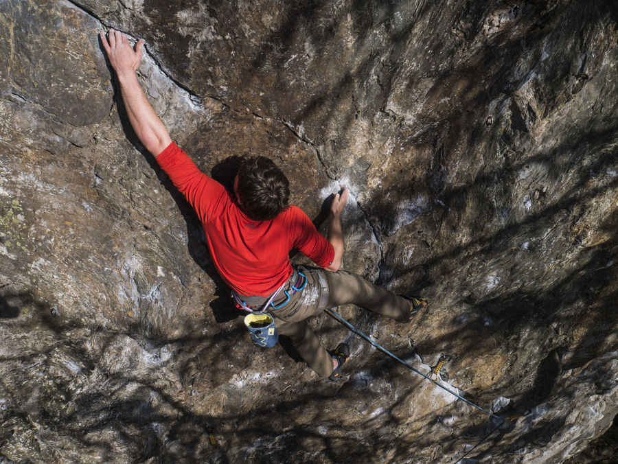 Testing the Petzl CONTACT rope at Upper Cave Crag, Dunkeld., 204 kb