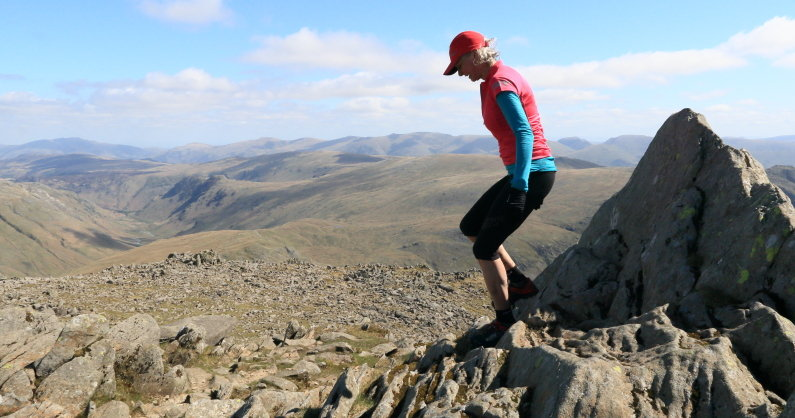Nicky Spinks on Bowfell, on her double Bob Graham round, 94 kb