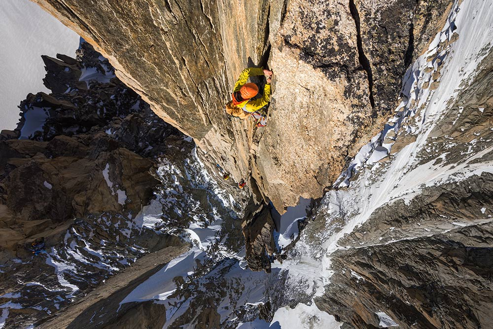 Maciek Ciesielski climbing the third tower of the Arete du Diable, 215 kb