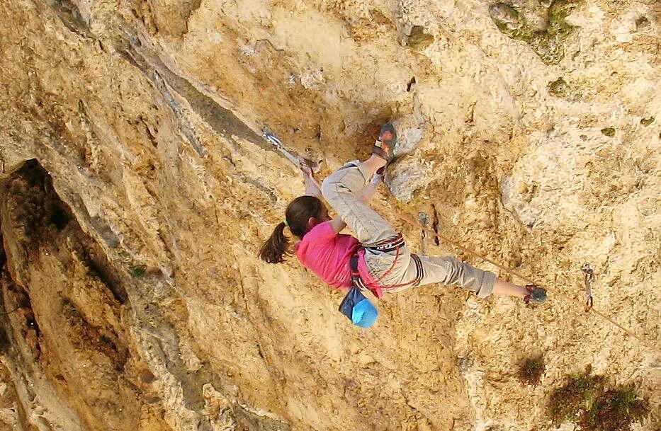 Laura Rogora on La Gasparata, 8c+/9a, Collepardo, Italy, 135 kb