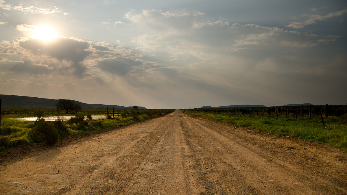 A standard Cederberg Road, 196 kb
